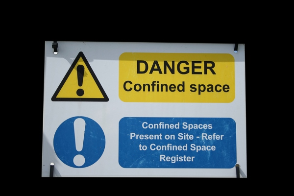 What is a Confined Space? | Safety Toolbox Talks Meeting Topics