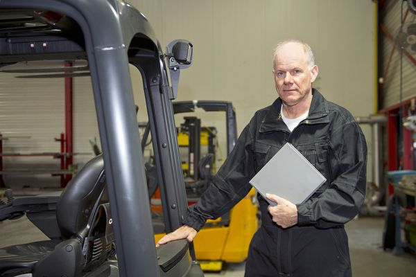 Forklift Safety Rules | Safety Toolbox Talks Meeting Topics
